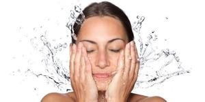 Cuci muka sewaktu tidur