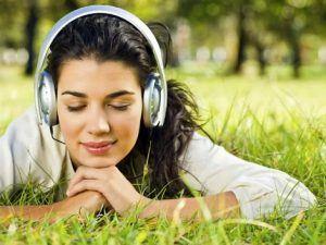 mendengarkan musik via integratedlistening.com