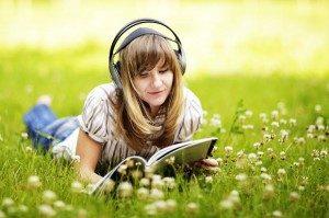 mendengarkan musik via aquariusnote.com