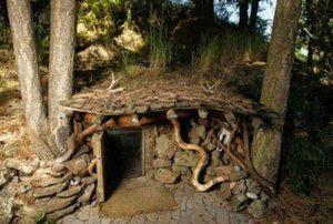 rumah unik hobbit