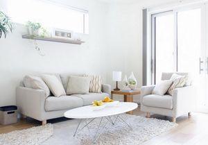 sofa warna putih