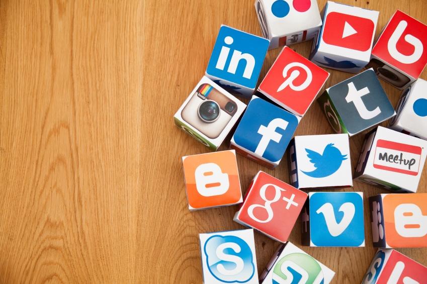 blikir semua media socialnya via kerjayuk.com